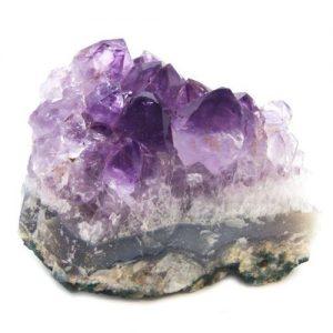 amethyst healing properties - crystals for centering